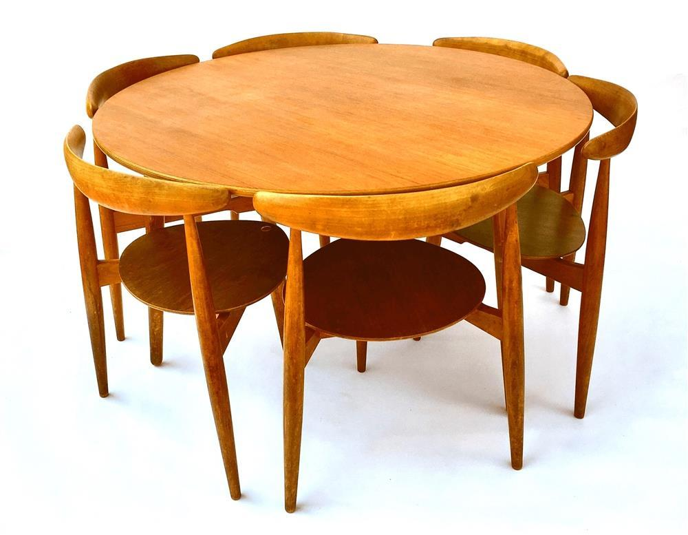 ANTIQUE SALE to include 20 th Century Design LOT 678 - HANS J WEGNER FOR FRITZ HANSEN: a 'Heart' dining table and set of six chairs THURSDAY