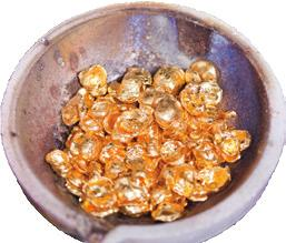 Gold also locks in moisture, increases the collagen level in the skin and prevents the breakdown of Elastin.