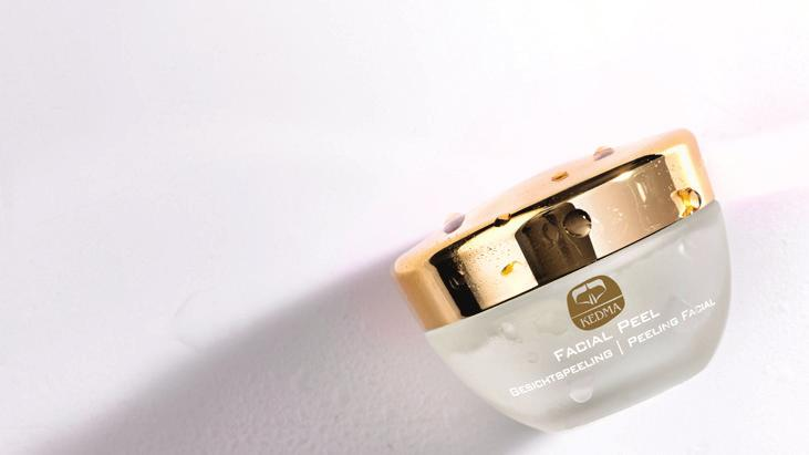 Eye Cream Kedma Eye cream consists of Dead Sea minerals, age-defying ingredients, plant extracts and natural oils.