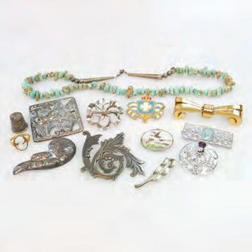 QUANTITY OF SILVER AND COSTUME JEWELLERY including a Mexican 980 grade silver brooch; a