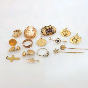 without the watches $450 600 77 SMALL QUANTITY OF VARIOUS GOLD JEWELLERY including 4 barpins set with amethyst,