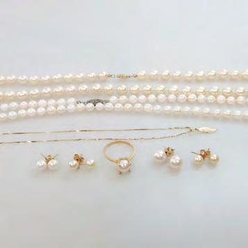 SMALL QUANTITY OF PEARL JEWELLERY including 4 pairs of cultured pearl and 14k gold