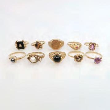 0 grams $225 275 136 1 X 18K, 1 X 15K & 4 X 10K GOLD RINGS set with
