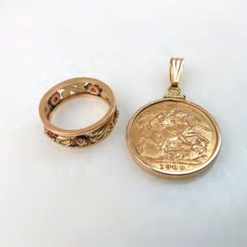 151 152 ENGLISH 1909 GOLD SOVEREIGN in a 14k yellow gold pendant mount; and a 14k yellow and rose gold band set with 5 small diamonds, size 5 1/2, 12.