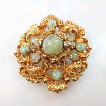 CENTURY FRENCH 18K YELLOW GOLD BROOCH set with 9 oval beryl cabochons,