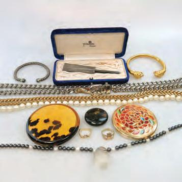 JEWELLERY including 2 gold rings; compacts; a silver bangle; a Japanese silver