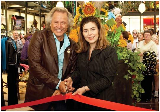 Welcome to a New Concept in Retailing Featuring the Grand Opening of Heartland Town Centre eptember 10, 2005 Thousands Attend Record Breaking Grand Opening eptember 10, 05-NYGÅRD, Canada s #1 Women s