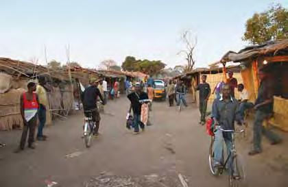 Figure 15. The market in Mavuco is bustling with miners, stone buyers, and salespeople who peddle supplies to the diggers. Photo by J. C. Zwaan.
