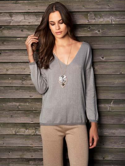 S18049 V-NECK SWEATER WITH LUREX $59 wholesale / $129