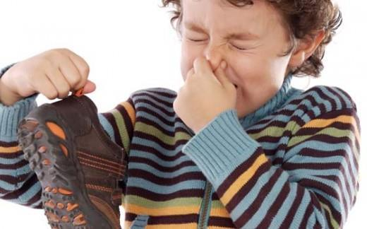 II. How Can We Prevent Smelly Feet Smelly feet cannot only be an embarrassment, but can seriously damage the self-esteem.