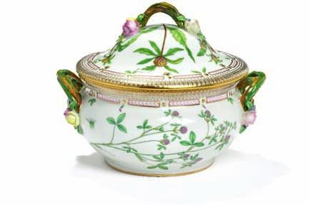 "426 426 ""Flora danica"" circular porcelain tureen, decorated in colours and gold with flowers, handles in the shape of twisted"