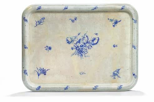 432 432 432 small faience tray table-top, decorated in underglaze blue with flower bouquet and
