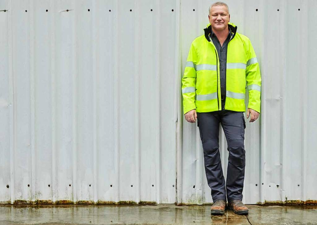 2 3 WINTER AND WET WEATHER The most crucial step in producing Bisley Workwear s new jacket range, came over 18 months ago when we started developing the technical fabrics we use.
