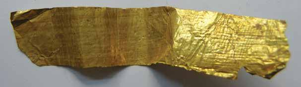 16: Microscopic view of the gold foil with net pattern imprint