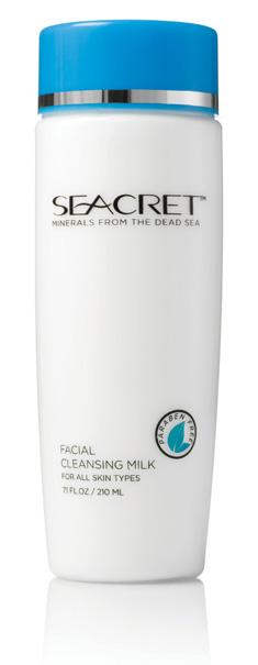 and condition the skin. Cleans away dirt and makeup, leaving the skin clean, hydrated, and silky smooth. RETAIL : $45.