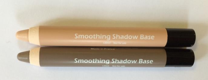 Eyeshadow Primer Plastic Pencil Long-lasting primer with anti-ageing and lifting properties