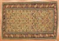 946 Persian Mahal carpet, approx 1210 x 1810 Iran, modern Est $2000-4000 Antique