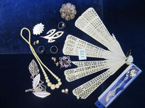 171 Assorted costume jewellery inc :-