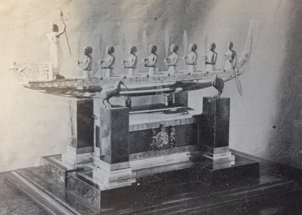 Figure 8: The Frank Hyams casket and Māori canoe The elaborate gift was the single most expensive pounamu object presented to the Royal couple during the 1901 tour. It cost the government 630.
