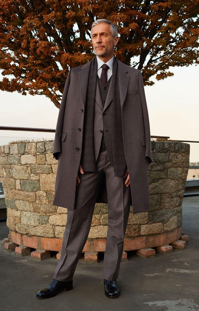 LOOK 3 THE TROMPE L OEIL SUIT OVERCOAT RO4U O7364 0000 SUIT RAQC O7AE2 0000 FORMAL SHIRT