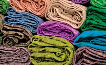 Global fabric output decline, WHILE YARN PRODUCTION IMPROVE Global fabric output is expected to stay stable in Q2/2017 The global yarn production improved in Q1/2017 quarter-onquarter.