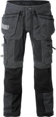 ULTIMATE STRETCH NEW These trousers have large panels of extremely stretchable material and knee pockets of stretch CORDURA, which provide considerable freedom of movement and comfort.