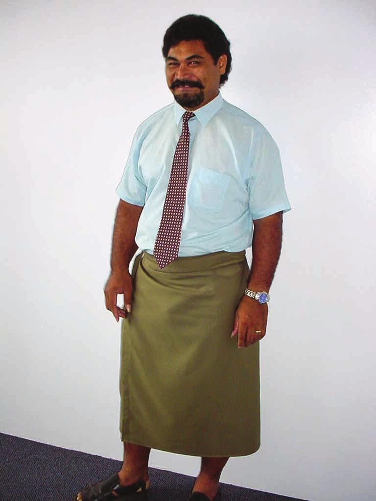 Minako Kuramitsu 45 Figure 2. Male public servant wearing ie faitaga before the introduction of Lä ei Sämoa, 2001 (photo by author). WHAT MADE LÄ EI SÄMOA THE NATIONAL ATTIRE?