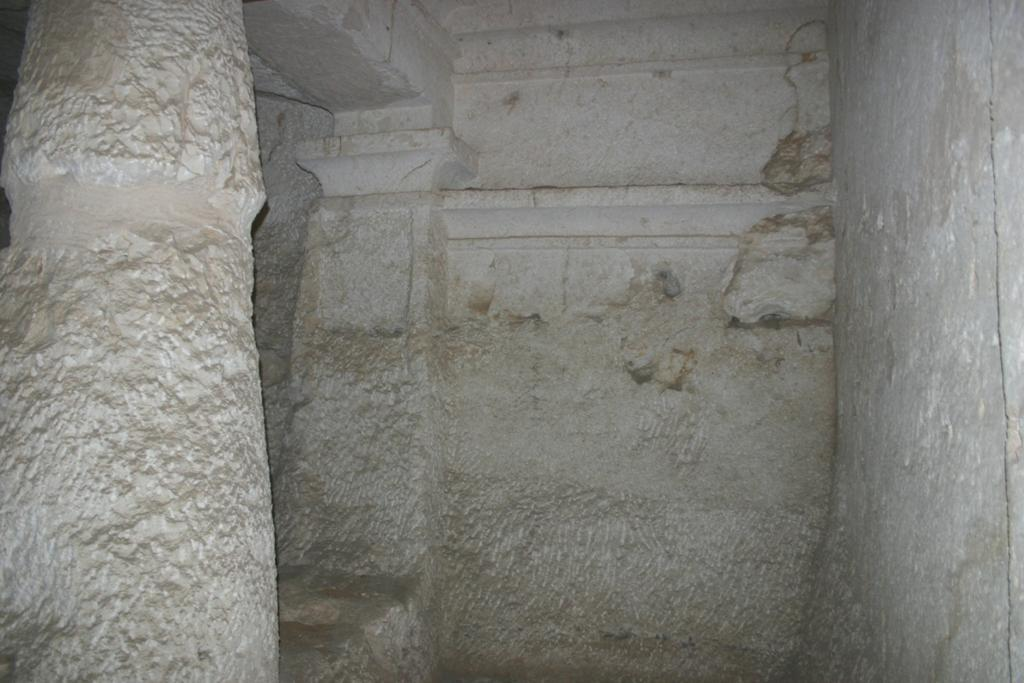 Figure 7: View of the interior of tomb 16, the surfaces of its outer