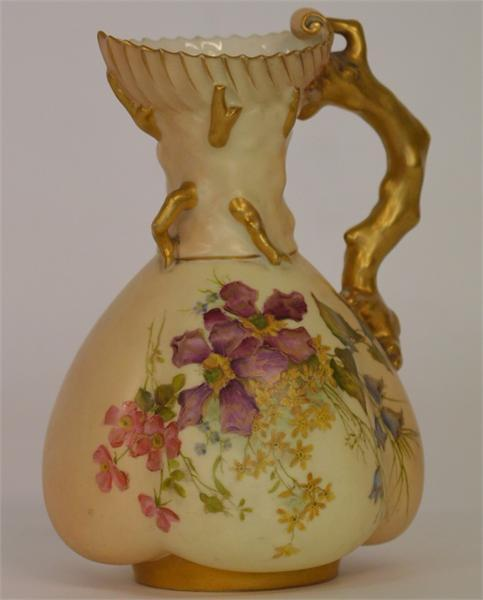 257 An attractive Royal Worcester