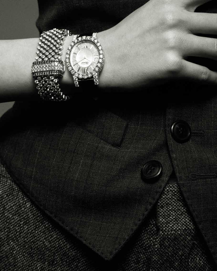 90 91 Monsieur waistcoat DSQUARED2 Super kaiser shirt DSQUARED2 Miss Jazz gray chine pants DSQUARED2 High jewelry watch in