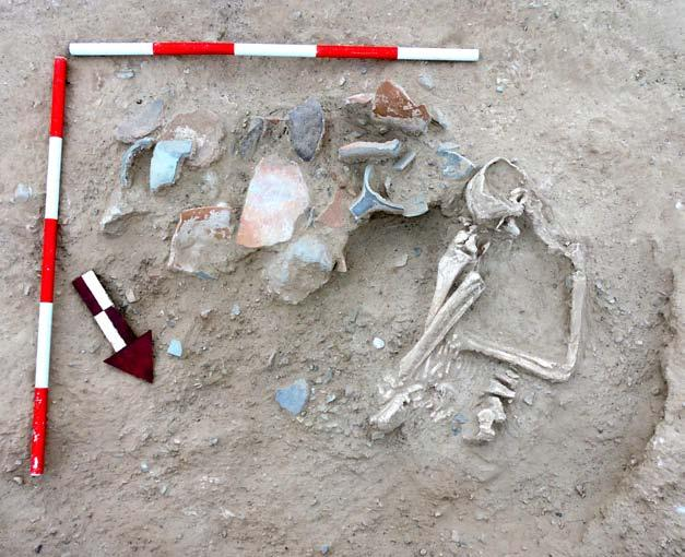 Short fieldwork reports 87 Figure 5. Burial G-3a from trench B.