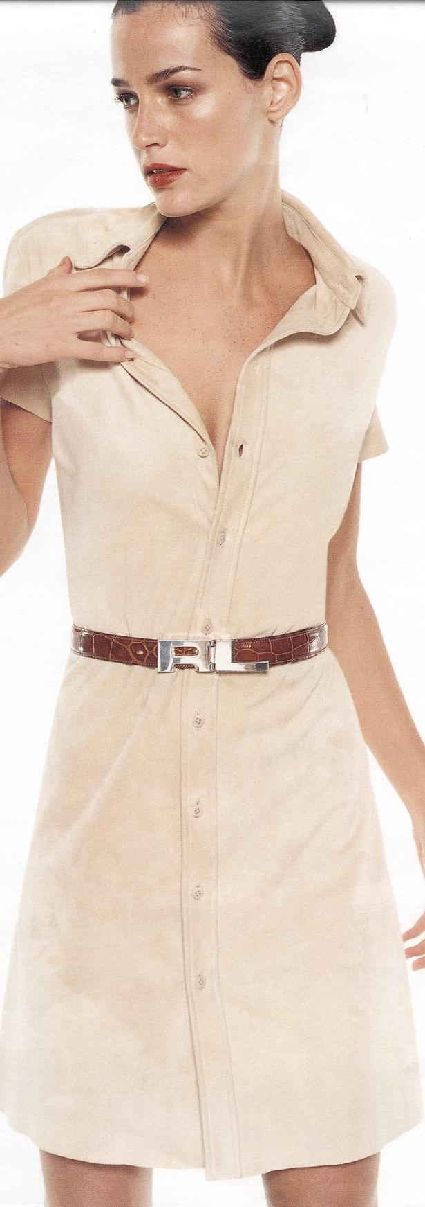 Shirtdress Straight-lined dress buttoned down the front