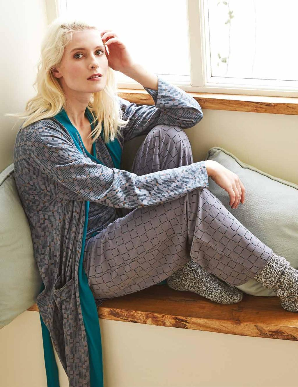 Printed Dressing Gown NA9505 Organic Brushed Cotton Jersey Silver Sizes S, M, L 52 Tairu Pyjama Bottoms NB9504 Organic Brushed Cotton Jersey Silver Sizes S, M, L 35 How to Order www.nomadsclothing.