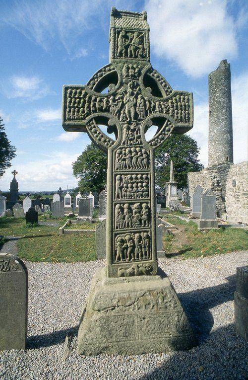 Hiberno Saxon Monasteries High Crosses High Cross of Muiredach, Monasterboice Ireland 923 Books and small luxury arts were mainly what was around of this time period.