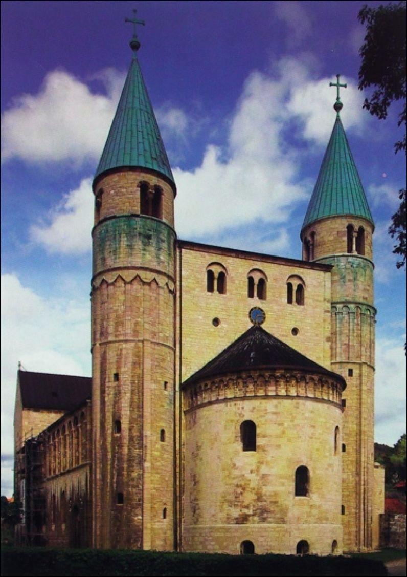 Ottonian Empire Westwork, church of Saint Cyriakus, Gernrode, Germany 961-973 A large apse replaced the entrance in the westwork, with two cylindrical towers rather than