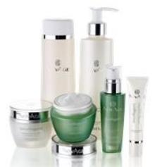 Redefine the lines that age you with the Ecollagen Skin Care Set, our advanced-performing routine to smoothe out wrinkles and revitalise the appearance of your skin.