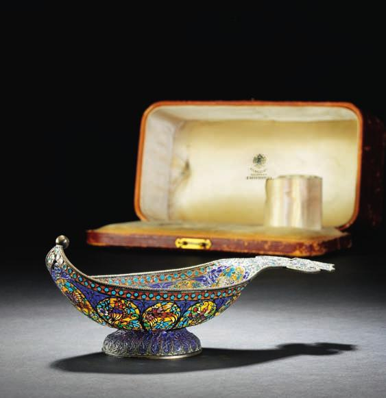 381 381 russian silver-gilt and plique-a-jour enamel kovsh, body with birds and insects. Pavel akimov Ovchinnikov in Moscow, c. 1900. apparently unmarked.
