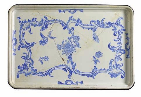 433 433 schleswig rococo faience tray table-top, the plate decorated in underglaze blue with rocailles, combed and flowers.