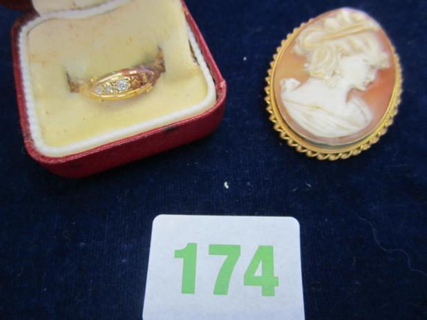 Cameo brooch in 9 ct gold HM mount plus 18 ct