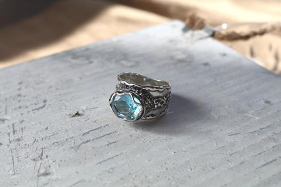 length R1016 Sterling Silver and Blue Topaz Artisan