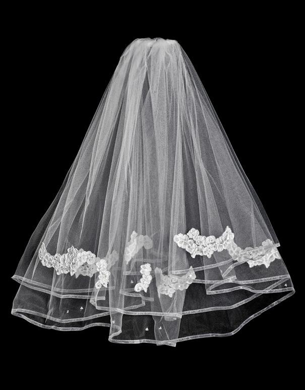 #3126 one tier Veil with full